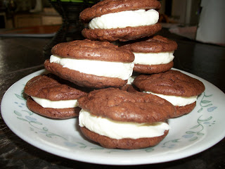 Easy Brownie and Cream Sandwich Cookies
