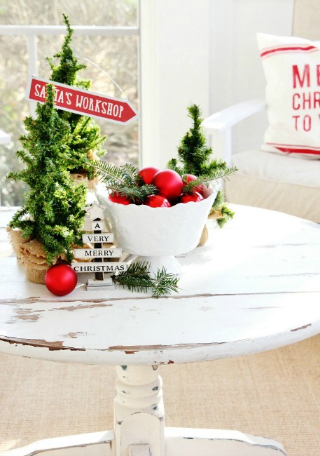 coffee-table-back-porch-Christmas