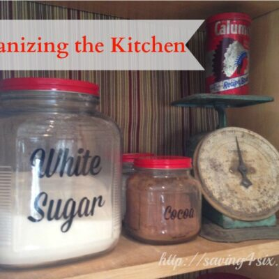 Organizing the Kitchen with Cute Labels