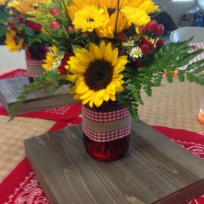 Rustic Fall Tablescape and Food Table