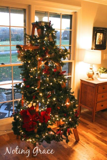 Noting Grace Christmas Ladder Garland